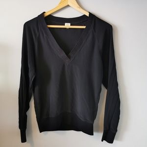 Aritzia // Wilfred Silk Sweater